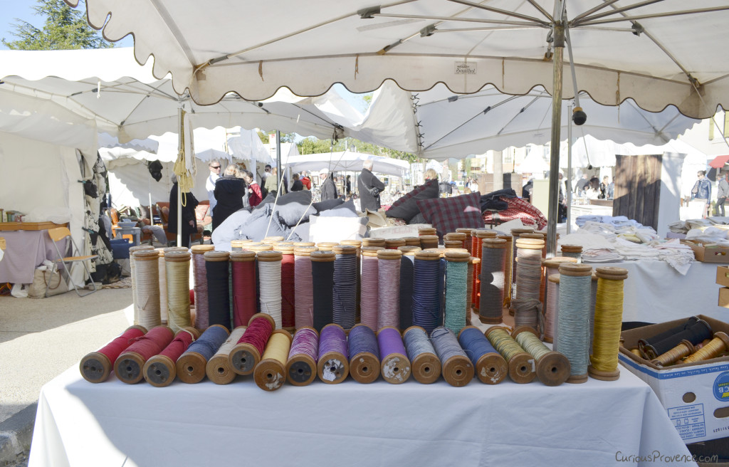 yarn brocante isle sur la sorgue