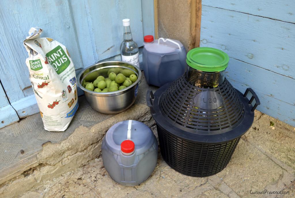 ingredients for walnut wine