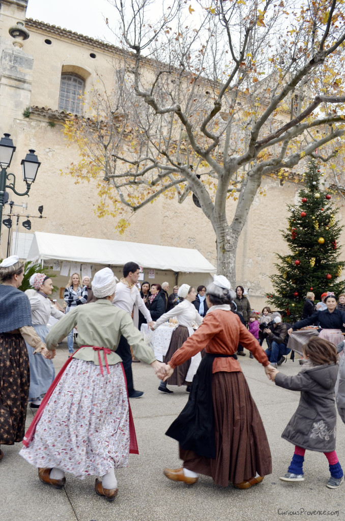 traditional dancing provence