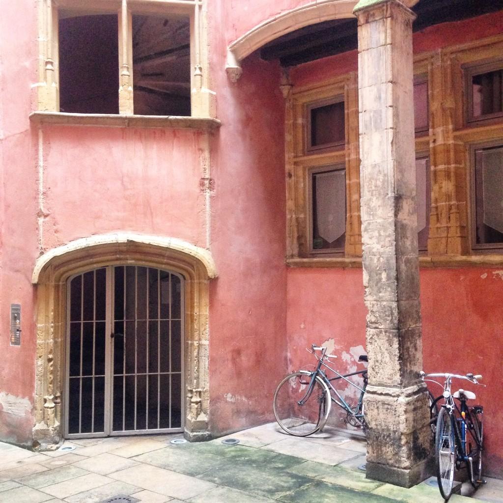courtyard lyon