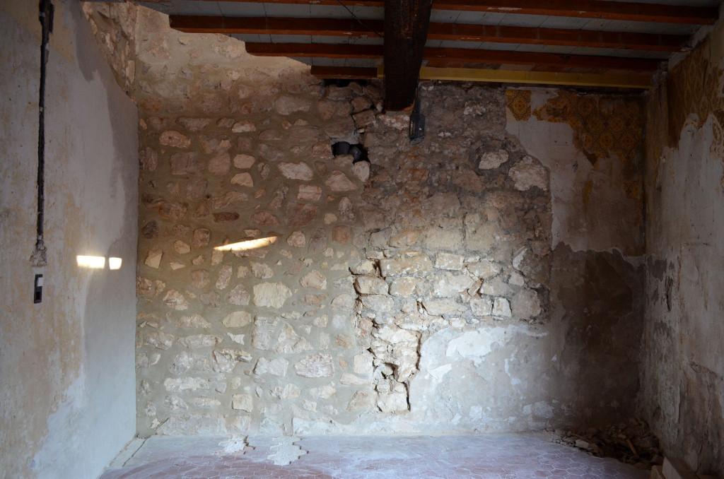 stone wall provence