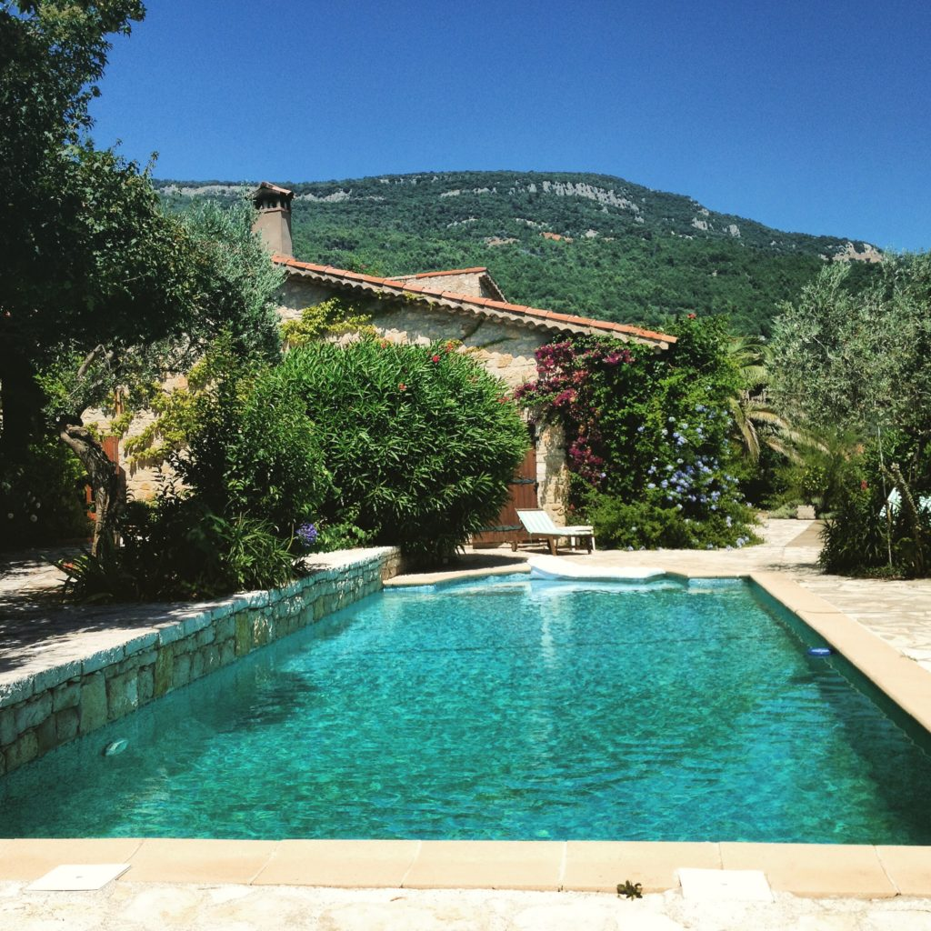 house sitting in provence