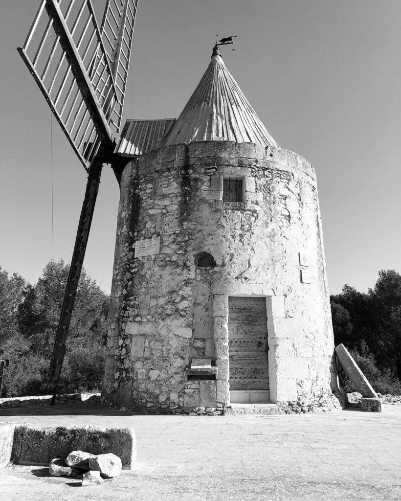 moulin de Daudet by curiousprovence